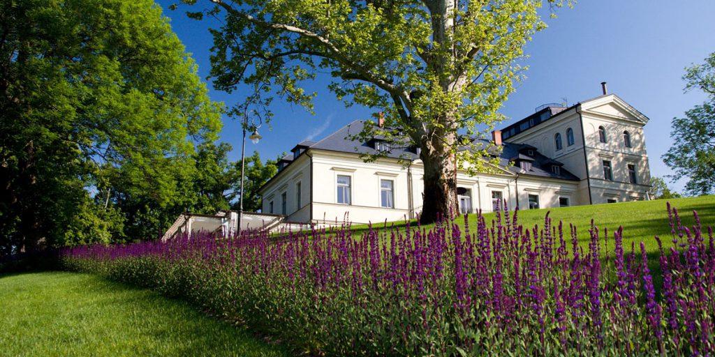 Schlosshotel Mcely